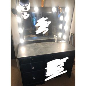 Makeup vanity for Sale in Los Angeles, CA