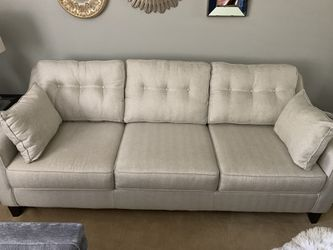 Front Room Furniture Sofa for Sale in GRANDVIEW,  OH
