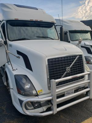 Volvo VNL 2005 for Sale in Rolling Meadows, IL