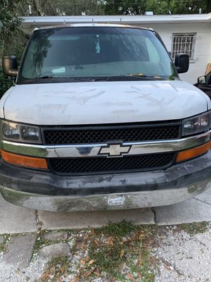 2004 Chevy express 1500 for Sale in Tampa, FL