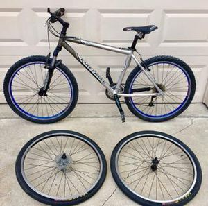 """Gary Fisher ( Trek ) Marlin mountain bike 18"""" aluminum frame 26""""wheels Comes with 2 sets of complete wheels with tires and skewers . for Sale in Wylie, TX"""