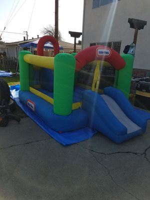 Small jumper for kids with blower very good condition for Sale in Hayward, CA