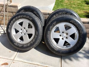 Set Of 4 Oem Jeep Rubicon 18 x 7.5 Wheels With Rubber for Sale in Rancho Cucamonga, CA
