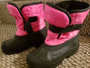 Brand new kids snow boots size 13/1 for Sale in Laurel, MD