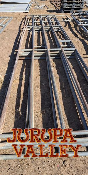 Horse corral 24x24 five rails for Sale in Jurupa Valley, CA