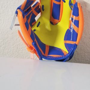 "Franklin Sports 8.5"" Performance Teeball Glove, Right Hand Throw for Sale in Sacramento, CA"