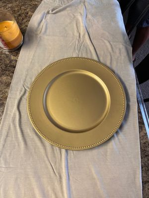 Gold Charger Plate for Sale in Charleston, SC