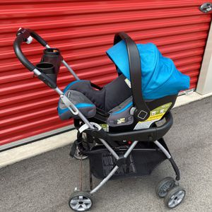 Snap-N-Go Universal Car Seat Carrier Stroller for Sale in Traverse City, MI