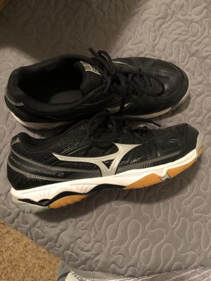 Mizuno women's volleyball shoes size 10 for Sale in Orange, TX