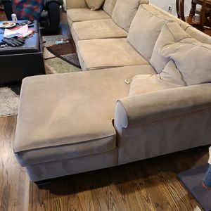 FREE! Very Used Sectional Sofa - Currently Pending Pickup for Sale in Livermore, CA