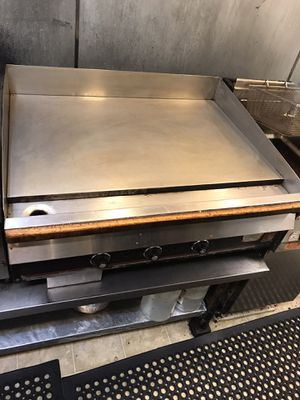 """Wolf 36"""" restaurant style griddle for Sale in Bellevue, WA"""