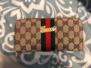 Women's gucci wallet for Sale in Tracy, CA