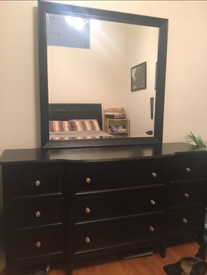 Espresso brown queen bedroom set for Sale in Chicago, IL