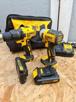 DEWALT2-Tool 20V MAX LI-ION Cordless Brushless Drill/Driver + Impact Driver Combo Kit with Soft Case (Charger Included and (2) 1.3Ah Batteries for Sale in Snohomish,  WA