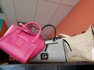 Bags Coach Steve Madden Liz New York GUESS ISAAC for Sale in Las Vegas, NV