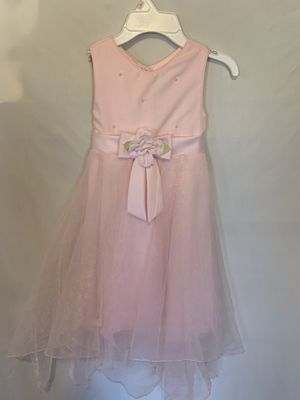 Size 6 girls flower dress for Sale in Williamston, SC