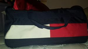 Tommy Hilfiger duffle bag for Sale in Troutdale, OR