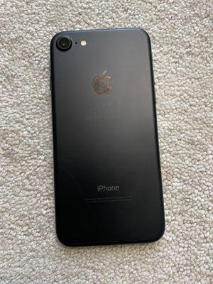 iPhone 7 32gb unlocked for Sale in Seattle, WA
