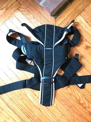 Baby bjorn carrier for Sale in Pittsburgh, PA