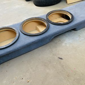 ($60) 3 10s speaker Box , For Single Cab Or Under Extended Cab Back Seating for Sale in Sanger, CA
