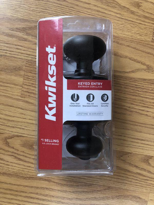 BRAND NEW IN BOX Kwikset Keyed Entry Door Knob