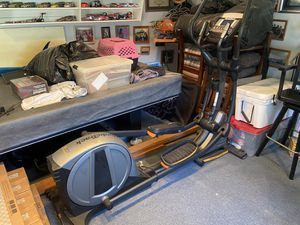 NordicTrack E 7.7 Power incline Elliptical for Sale in Yucaipa, CA