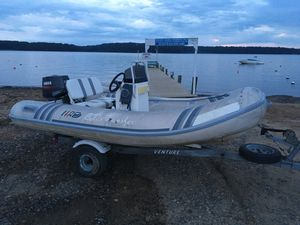 Center Console Inflatable for Sale in Earleville, MD