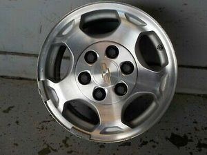 Pic isn't the rim tire is no good and no center cap 35 or best offer for Sale in Blue Springs, MS