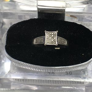 10k white gold diamond ring size 7 for Sale in Baltimore, MD