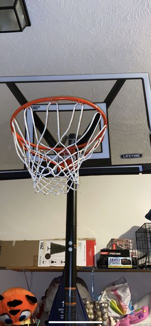Basketball hoop for sale for Sale in Lillington, NC