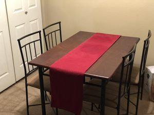 Dining table with 4 chairs for Sale in Henderson, NV