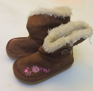 Little Toddler Girls boots - size 5 - Oshkosh for Sale in Encinitas, CA