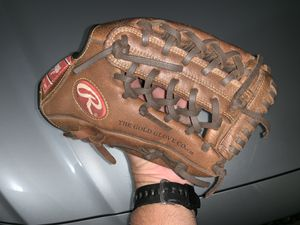 Baseball Glove for Sale in Palmdale, CA