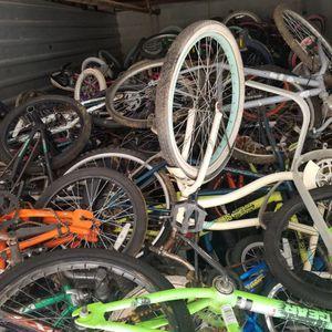 Hola recojo bicicleta de todo tipo no importa el estado para repararla oh para partes interesados for Sale in Manassas, VA