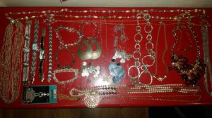 VINTAGE JEWELRY for Sale in Mesa, AZ