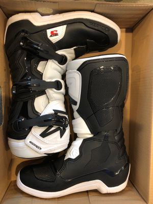 Alpinestar tech 3 dirt bike boots size 7 for Sale in Maynard, MA