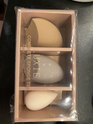 Bake contour detail sponge makeup set for Sale in Salinas, CA