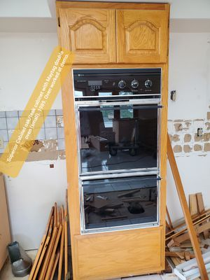 Quality oak kitchen cabinets (Superior Cabinets) for Sale in Sammamish, WA