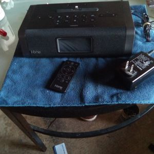 I Home Stereo System With Bleutouth Speaker Alarm Clock With Roidio Fm .Am for Sale in Manor, TX