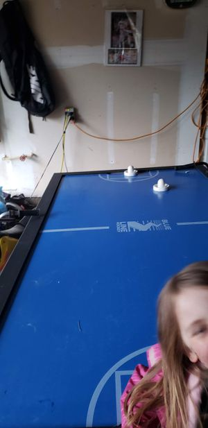 Blue Line Air Hockey table for Sale in Hubbard, OR