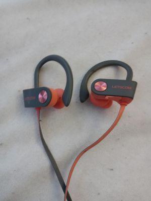 Bluetooth wireless headphones for Sale in Boston, MA