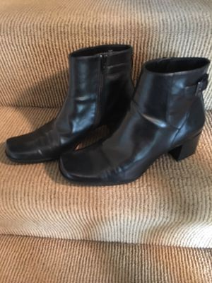 Liz Claiborne Boots for Sale in Cincinnati, OH