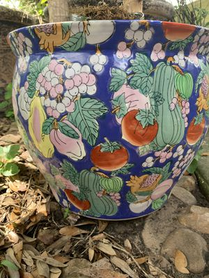 Handcrafted planting pot for Sale in Houston, TX