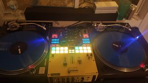 Technics 1210 M5G pair for Sale in Chicago, IL