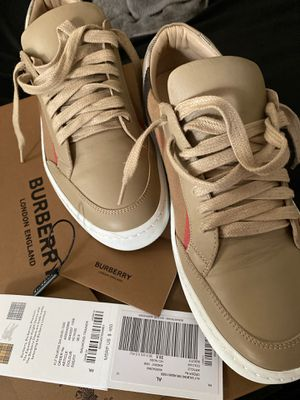 Burberry Sneakers 8.5 women worn twice $350/ Burberry waist bag one size $400 for Sale in Philadelphia, PA