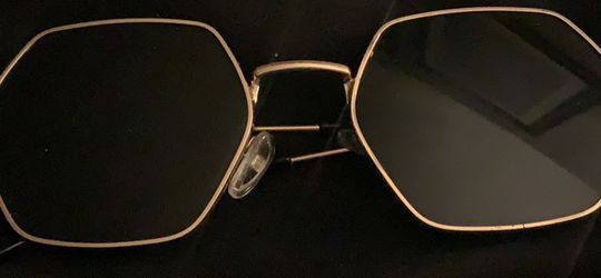 Sunglasses for Sale in Crownsville,  MD