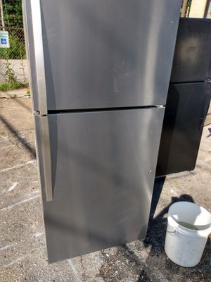 Whirlpool 30 inch stainless steel refrigerator with ice maker works good 30day warranty free delivery {contact info removed} for Sale in Washington, DC