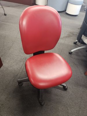 Nice wipeable office chairs for Sale in Tampa, FL