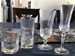 4 piece glass settings for Sale in Poway, CA