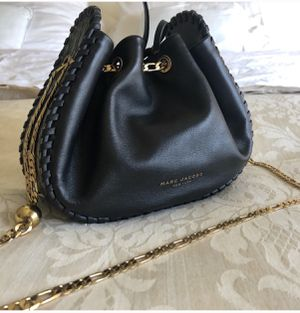Authentic Marc Jacobs Swinger Pouchette for Sale in Apple Valley, CA